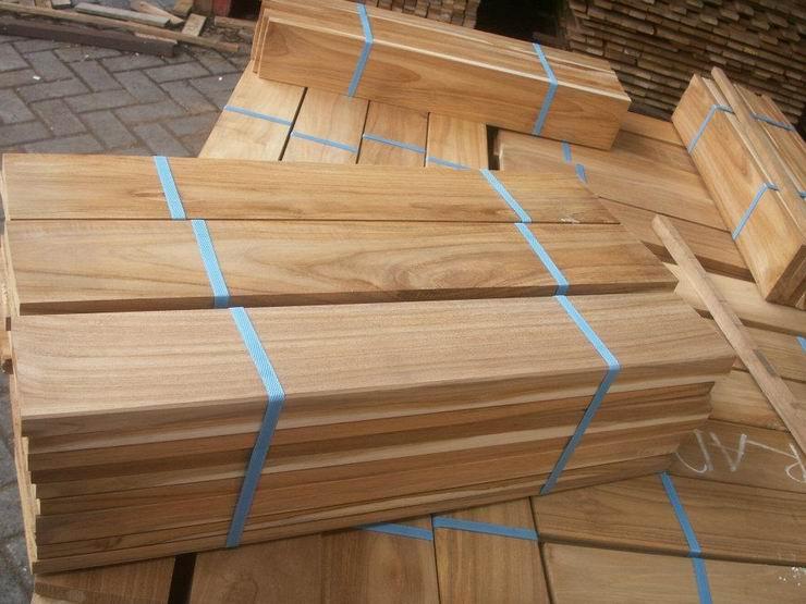 Hardwood teak flooring material